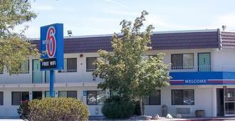 Motel 6 Reno Livestock Events Center - Reno - Κτίριο