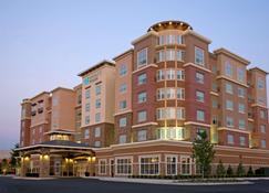 Hyatt House Richmond West - Richmond - Rakennus