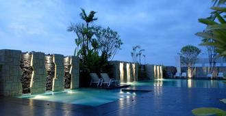 โรงแรมสุนีย์แกรนด์ - อุบลราชธานี