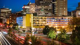 Staypineapple, Hotel Rose, Downtown Portland - Portland - Bâtiment