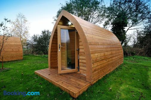 Wolds Glamping - York - Building