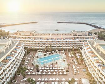 Cleopatra Palace Hotel - Арона - Бассейн