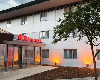 Ramada by Wyndham South Mimms M25 - Potters Bar - Building