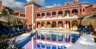Hotel Los Arcos - נרחה - בריכה