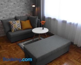 Ares Apartments - Przemyśl - Living room
