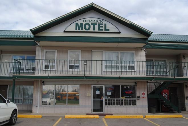 Derrick Motel - Edmonton - Building