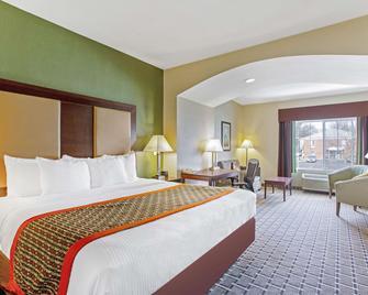 La Quinta Inn & Suites by Wyndham Lancaster - Ronks - Bedroom