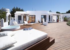 Villas Paraíso de los Pinos - Sant Francesc de Formentera - Patio