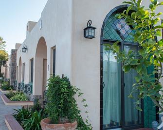 Casa Del Sol - Carpinteria - Outdoor view