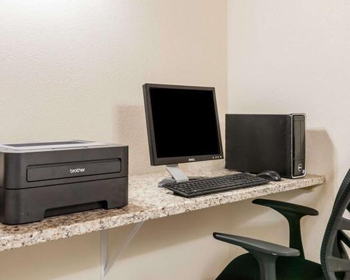 Quality Inn and Suites Albuquerque - Albuquerque - Business centre