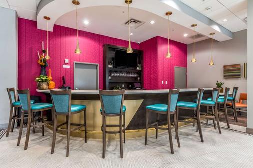 Best Western Premier Historic Travelers Hotel Alamo/Riverwalk - San Antonio - Bar