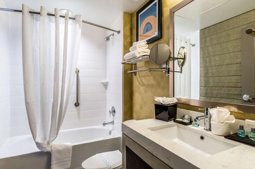 Best Western Premier Historic Travelers Hotel Alamo/Riverwalk - San Antonio - Phòng tắm