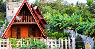 D Family Resort - Anuradhapura - Outdoor view