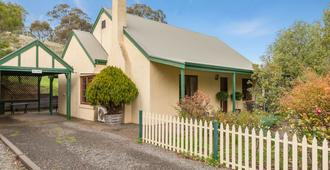 Country Pleasures Bed & Breakfast - Tanunda - Building
