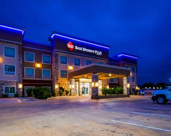 Best Western PLUS Dilley Inn & Suites - Dilley - Gebäude
