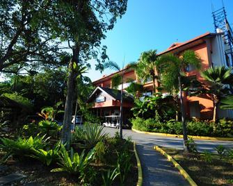 Bukit Merah Laketown Resort - Taiping - Außenansicht