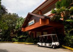 Bukit Merah Laketown Resort - Taiping - Rakennus
