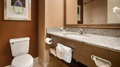 Best Western Pawleys Island - Pawleys Island - Bathroom