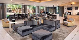 Delta Hotels by Marriott Minneapolis Northeast - Minneapolis - Lounge