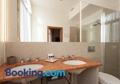 Ca' Cappellis - Venice - Bathroom