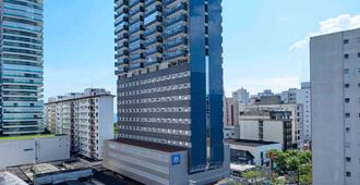 ibis budget Santos Gonzaga - Santos - Building
