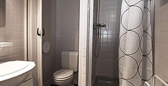 Brit Hotel Le Louvre - Orange - Bathroom