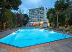 Thomas Beach Hotel - Néa Mákri - Pool
