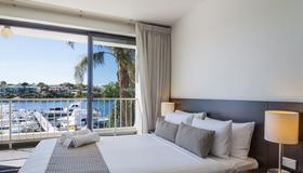 Pier 21 Apartment Hotel - Fremantle - Bedroom