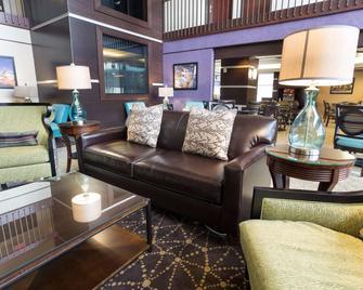 Drury Inn & Suites Atlanta Morrow - Morrow - Sala de estar