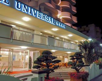 Hotel Universal - Cervia - Building