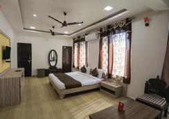 Oyo 9760 Home Tej Vilas Near Celebration Mall - Udaipur - Bedroom