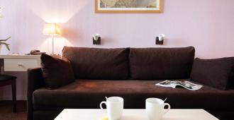 Aparthotel Adagio Access Avignon - Avignon - Living room