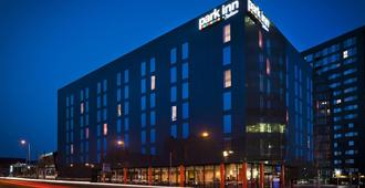 Park Inn by Radisson Manchester City Centre - Manchester - Gebäude