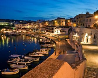 Barceló Hamilton Menorca - Adults Only - Es Castell - Buiten zicht