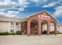 Ramada by Wyndham Spirit Lake/Okoboji - Spirit Lake - Building