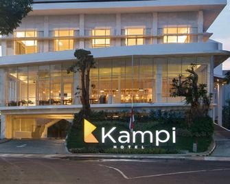 Hotel Kampi Surabaya - Surabaya - Building