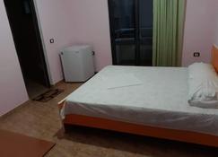 Haka Guesthouse - Golem - Bedroom