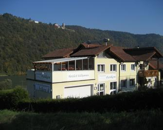 Pension Feiken - Wesenufer - Building