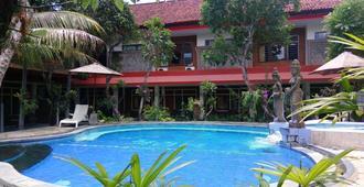 Warna Kedaton Hotel And Meeting - Denpasar - Piscina
