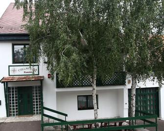 Csillagtúra Panzió - Erlau - Gebäude