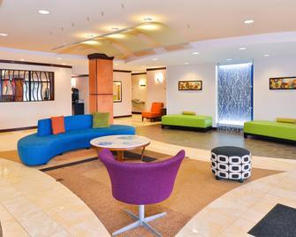Fairfield Inn and Suites by Marriott Asheboro - Asheboro - Lobby