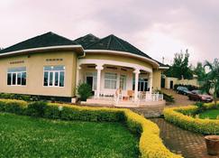 Yambi Guesthouse - Kigali - Building