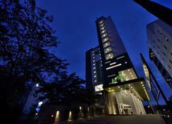 Whiz Hotel Sudirman Pekanbaru - Pekanbaru - Bâtiment