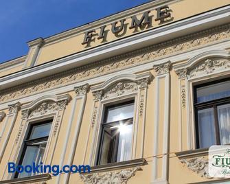 Fiume Hotel - Békéscsaba - Gebäude