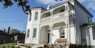Highfield House - Launceston - Building