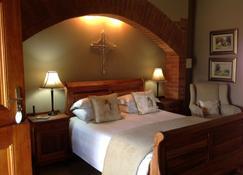 Berit Country Home & Chapel - Rustenburg - Bedroom