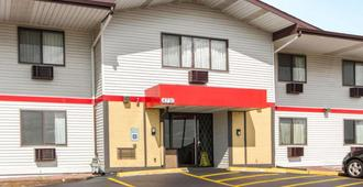 Econo Lodge Madison - Madison - Edificio