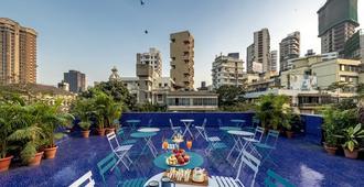 Hotel Kemps Corner - מומבאי - מרפסת