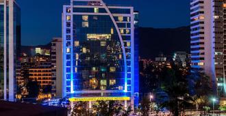 Renaissance Santiago Hotel - Santiago - Building