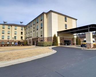 Comfort Inn & Suites Fort Smith I-540 - Fort Smith - Building